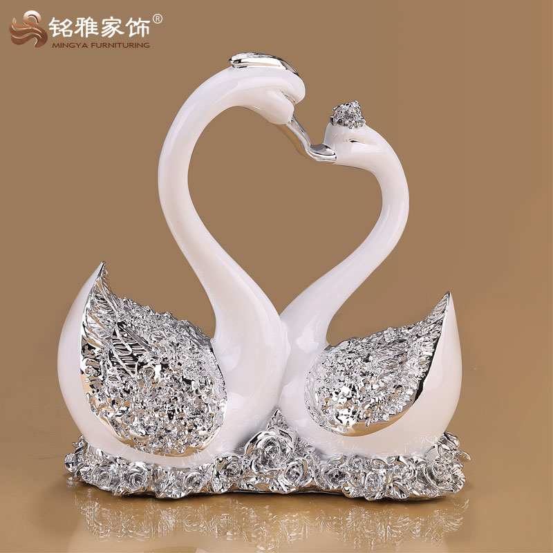 Promotional gift item other home decor swan couples statue polyresin decoration