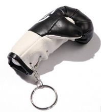 plastic type 2015 hot sale boxing glove key ring manufacturer