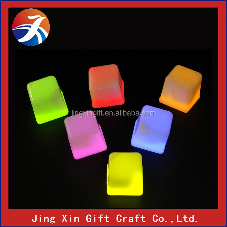 Multiple color LED ice cubes lights up toy glow ice cube for bars