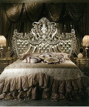 Italian New Arrival Carved King Size Bed, Antique Finished Bouquet Designed Button Tufted Upholstered Bed