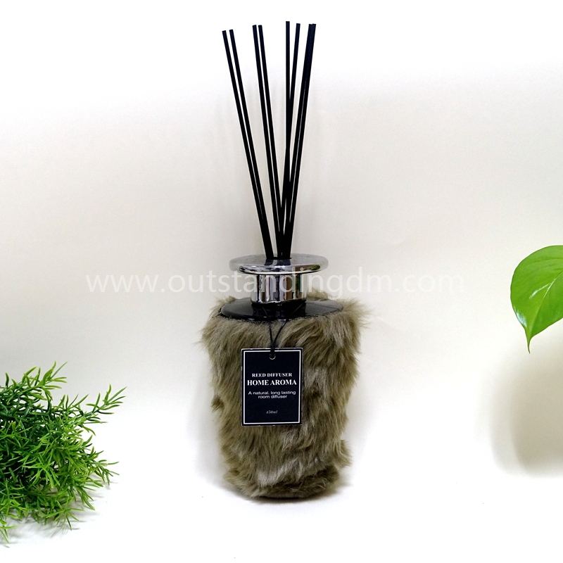 Fragrance Reed Diffuser With Rattan Sticks And Ceramic Cap