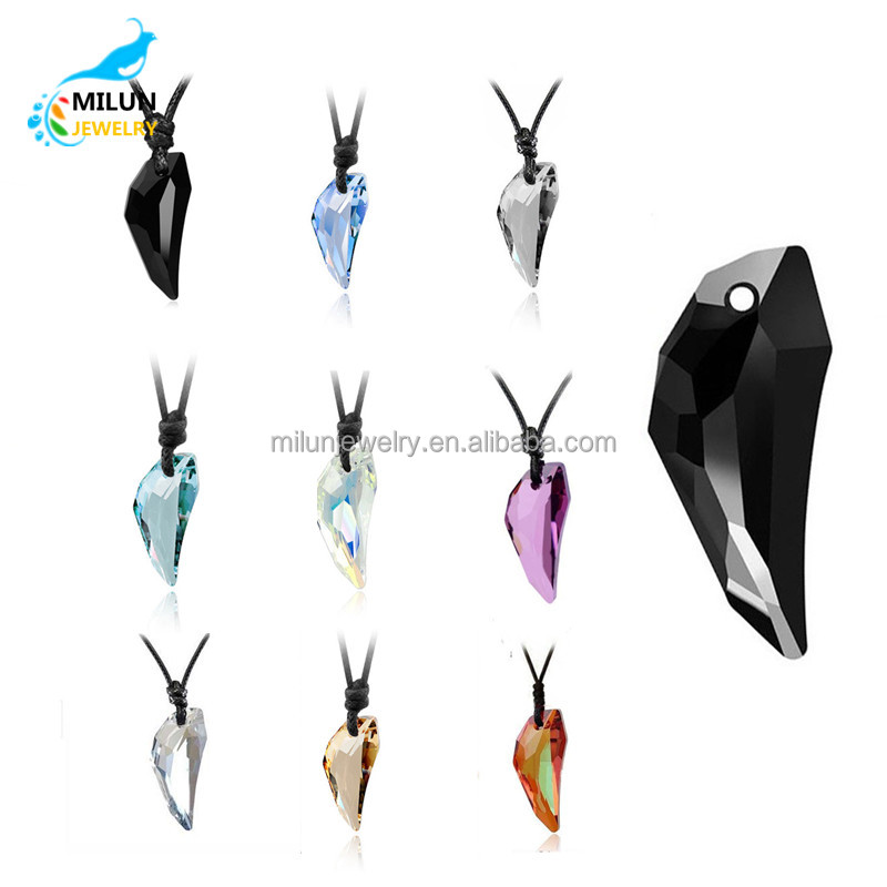 Wholesale Crystal stone wolf tooth pendant <strong>necklace</strong>