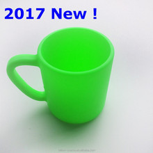 2017 practical Silicone drinking <strong>cup</strong> for kids with side handle
