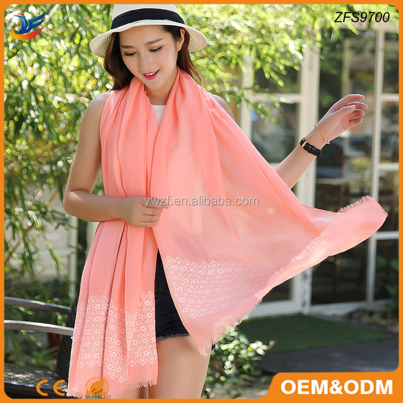 plain and tassel style viscose material puff print viscose shawl scarf