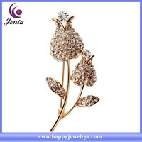 Beautiful rose flower shaped hot selling gold plated crystal rhinestone brooch wholesale ( YWZ5544)