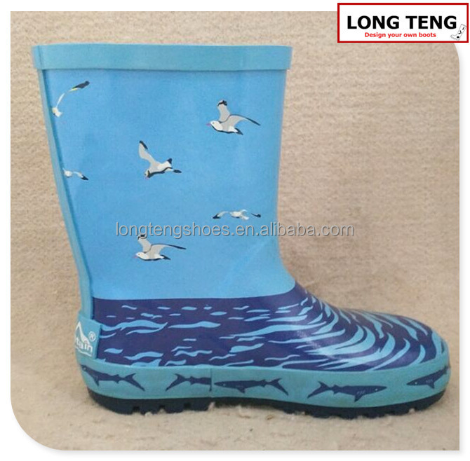 The poratable beach rain boots for travel