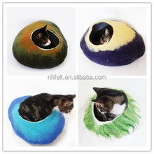 felt cat bed / felted cat cave