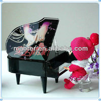 Beautiful Crystal Black Piano Music Box for Wedding Door Gifts