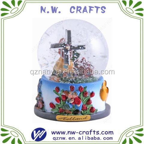 Custom resin brainy water globe snow ball