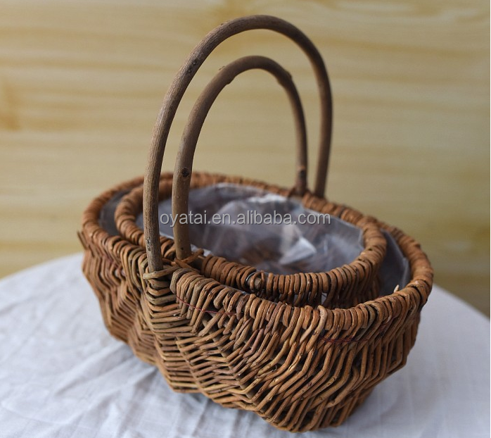 Wholesale cheap handmade basket natural plastic lined gardening wicker/willow flower basket