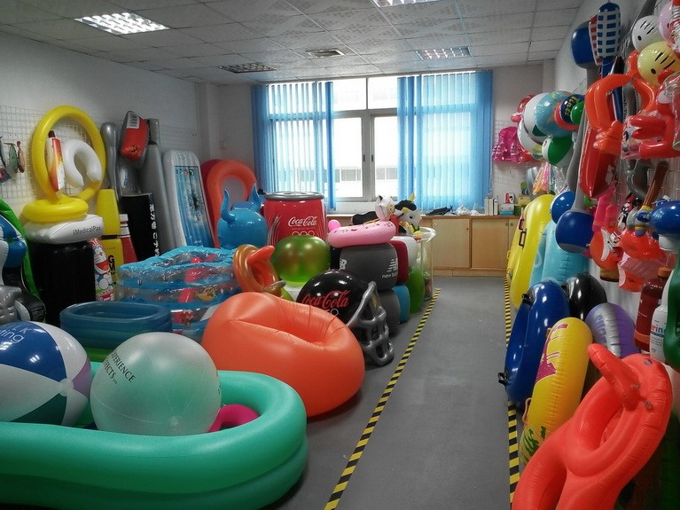 China inflatable flamingo pool float manufacaturers