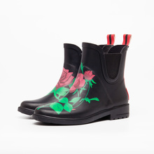 flower rose print black chelsea cotton lining natural rubber outsole soft women rubber galoshes wellies gumboots rain boots