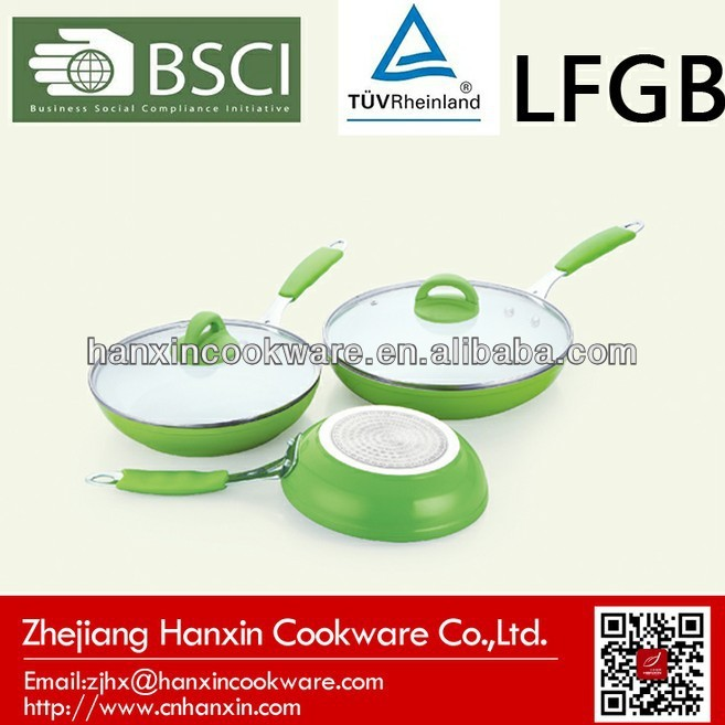 5 piece Cookware Set 12 inch and 9.5 inch Green Ceramic Coated Nonstick Fry Pans w Glass Lids