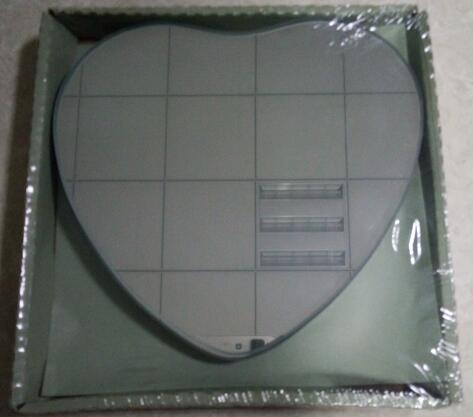 factory price fashion heart-shaped mirror for decoration and daily use; wholesale; made in China