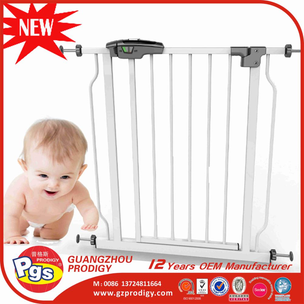 Amazon hot Baby Safety Gate adjustable folding baby gate