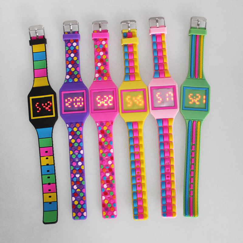 2017 Light up digital kids watches Silicone Kids led digital watches