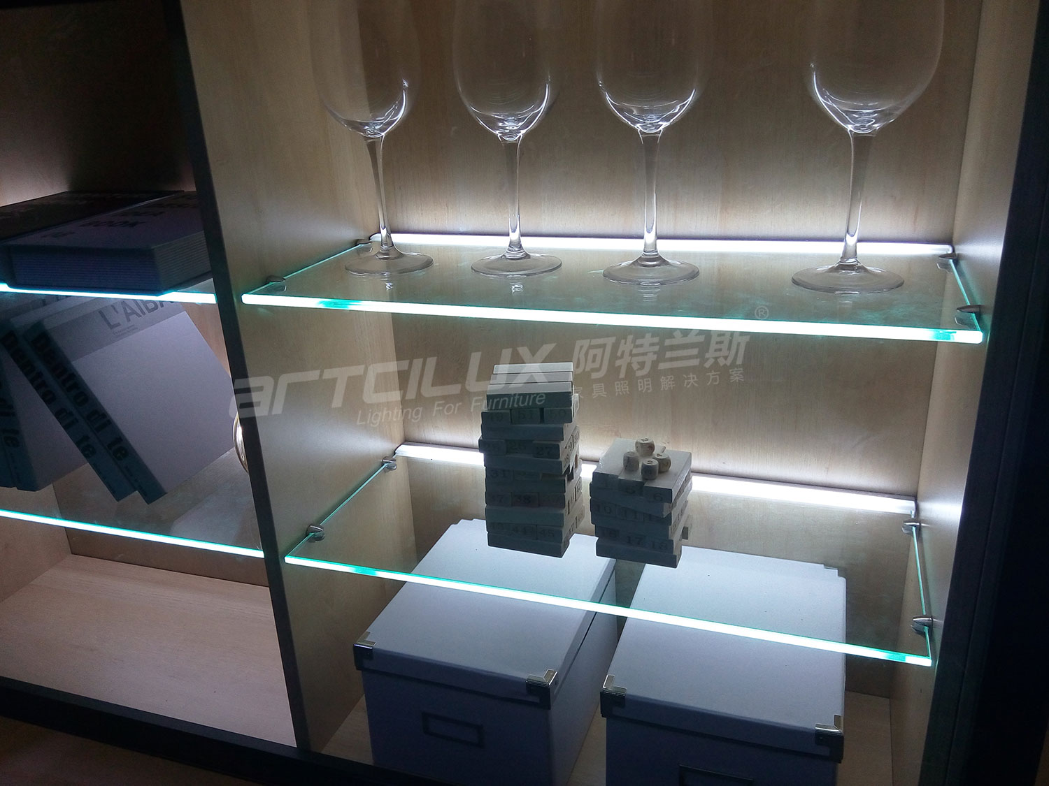 Elegant design 8mm to 10mm thickness White and RGB Color LED glass shelf lighting