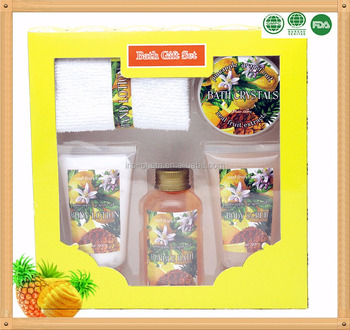 Natural material body care sets with body lotion body scrub shower gel bath salt in window paper box