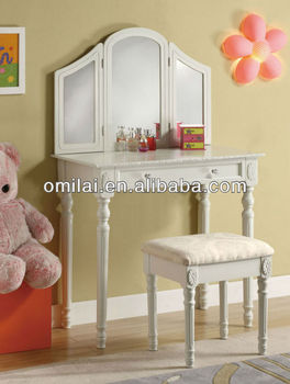 modern wooden MDF dresser with mirror