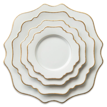 Hot selling customized ceramic charger plate luxury design dinner plate sets porcelain dishes with good after-sale service
