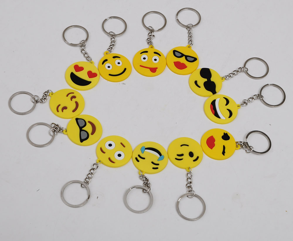 factory sale fishionable custom silicone keychain ,sift rubber hanger with various expression