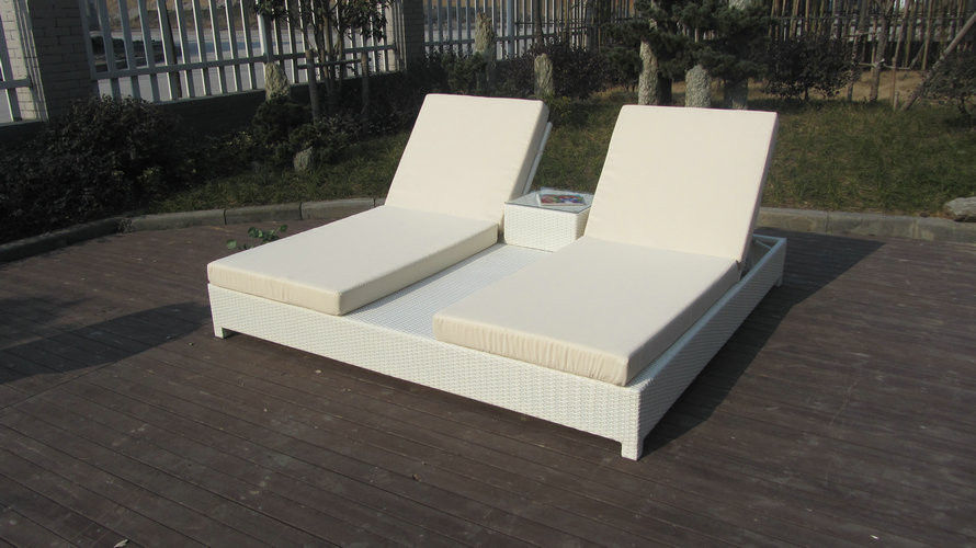 Beach swimming pool outdoor poly wicker rattan sun lounger