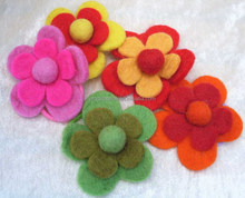 2017new hot China products eco friendly cheap balls decoration crafts wholesale wool felt handmade wedding fabric flower brooch