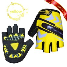 Factory wholesales short finger Yellow silicone hot pads gloves