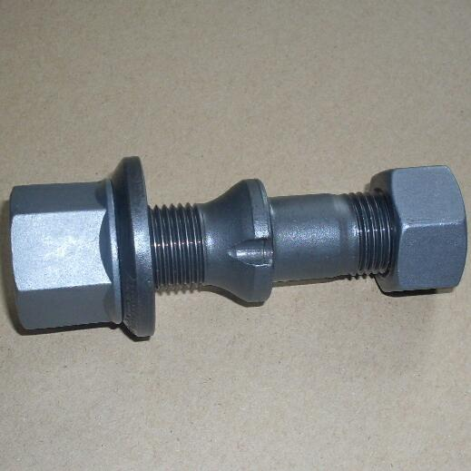 Canter FE111 truck rear wheel bolt