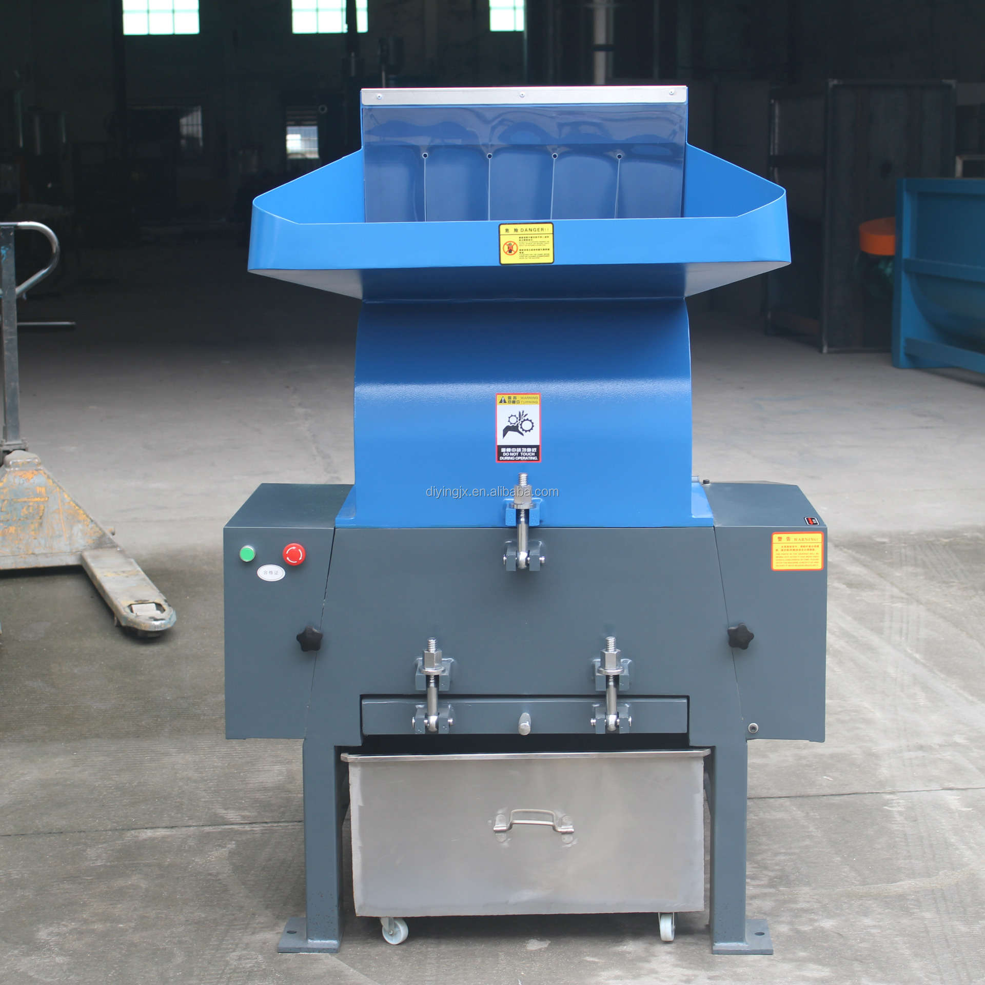 Plastic Bottle Shredder Machine/Plastic Crusher Machine/Plastic Grinder Machine