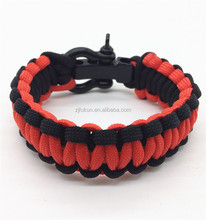 promotional climbing sports 550 survival paracord bracelet with black metal adjustable shackle