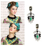 Dew retro leaf shaped gem insert alloy pendant earring for women