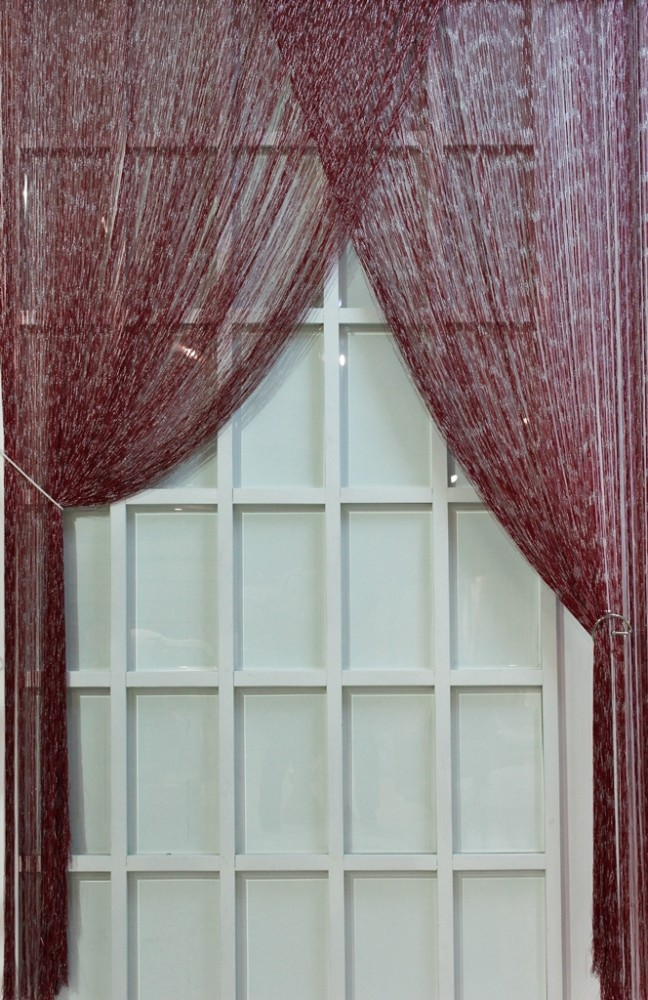 String Curtain / Modafabrik / Bordeaux