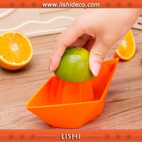 Cheap And Convenient Fruit Juicer Machine Looks Like Boat