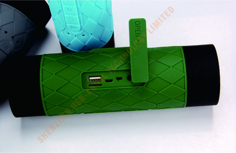 12 Month guarantee silicone casing USB charging bluetooth waterproof speaker width power charger