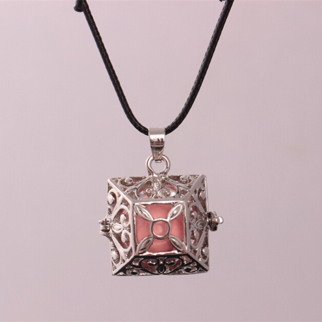 Europe and the United States original personality retro hollow piano necklace fashion long piano music necklace