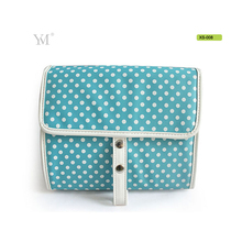 Latest design hanging travel toiletry cheap make up bags , waterproof nylon wash bag folding wholesale