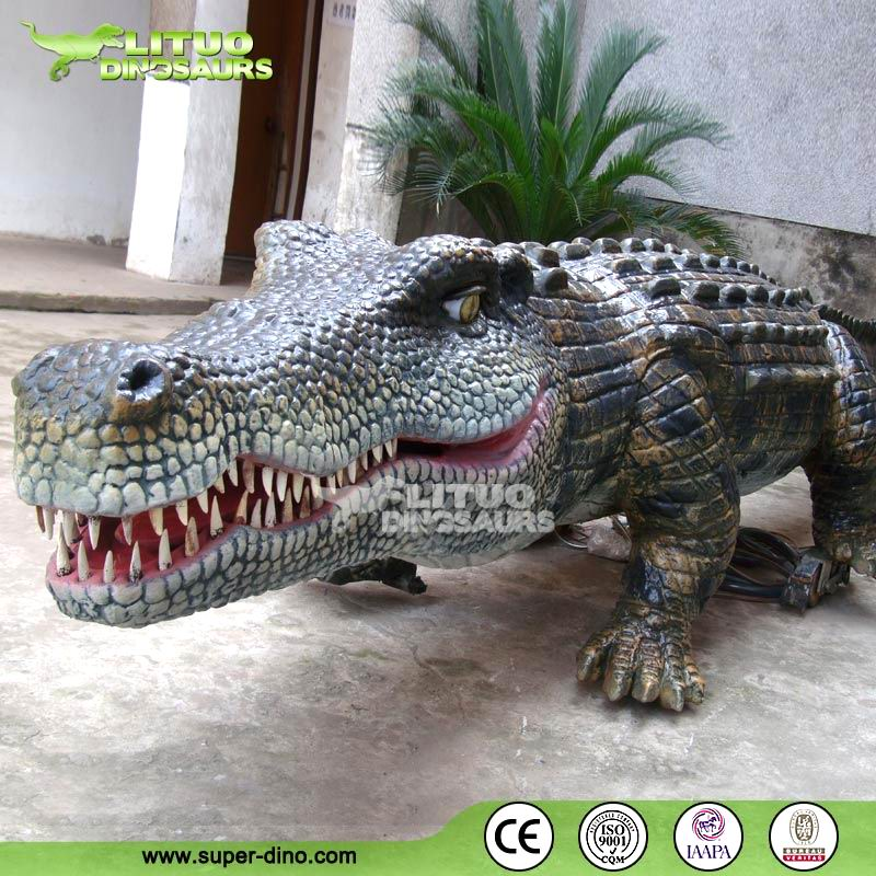 Animatronic Simulation Animated Crocodile