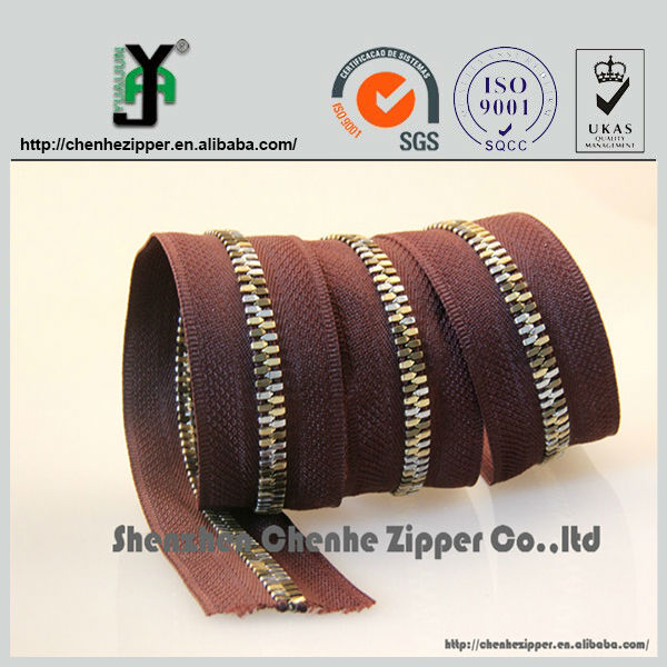original factory different types of metal colored teeth zipper roll