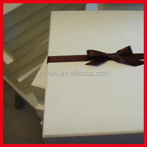High quality high-end Cardboard White Matte Cashmere Sweater Box with magnet
