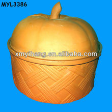 Covered clay earthen cooking pot