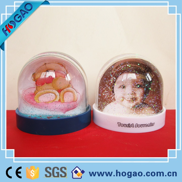 Multifunctional production picture insert plastic funny snow globe water globe