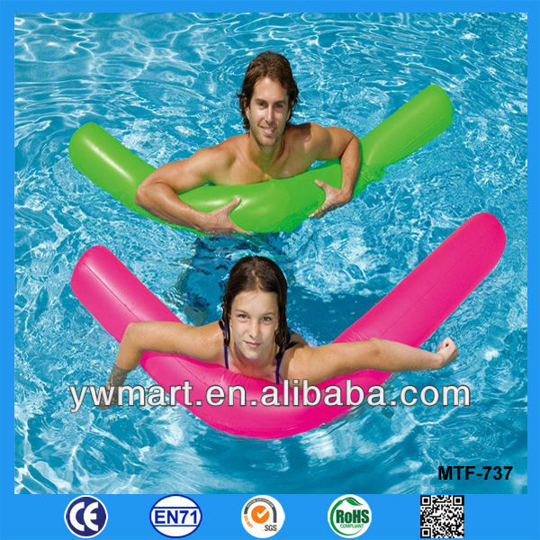 Custom inflatable long tube, floating inflatable long pool tube