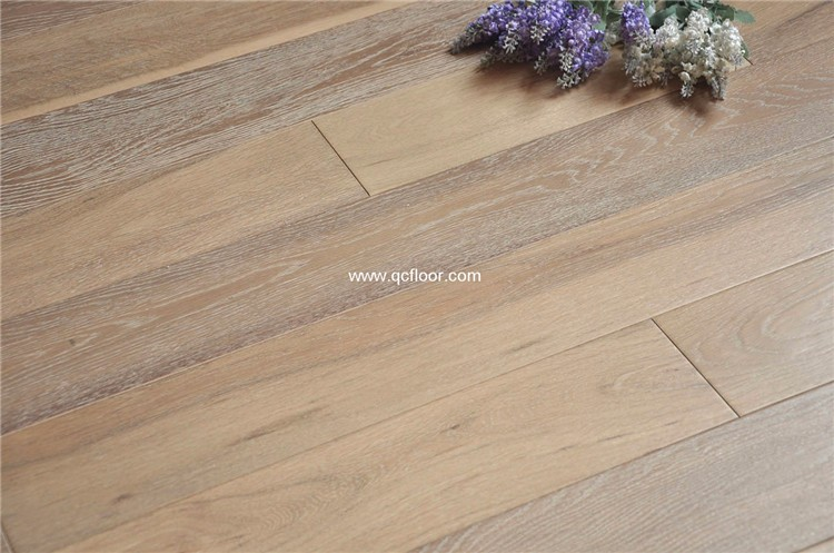 factory direct Solid timber oak wood flooring