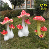 Fiberglass resin sculpture cartoon nursery playground decorative Stained large mushrooms