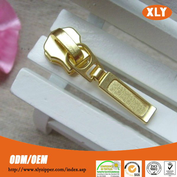 Shiny Appearance zipper pull for sale metal lock zipper pull with custom zipper puller
