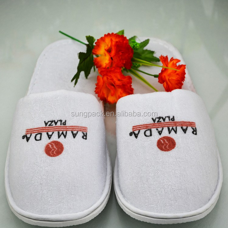 Customized Coral Fleece Slipper Footwear for Hotel Disposable Slippers Air Travel Salon SPA Slippers Wholesale