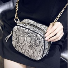2015 wholesale new handbags women gender messenger bags with snake skin pattern and metal chains