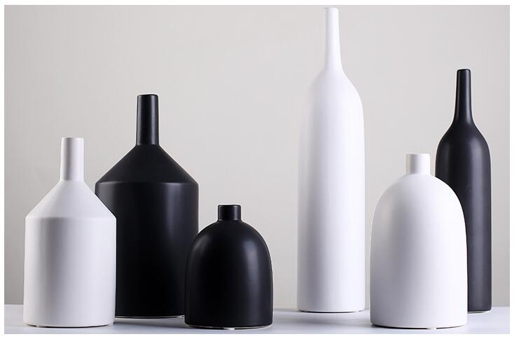 Moderne simple blanc et noir porcelaine petite fleur vase pour le