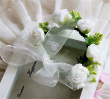 High Quality Wrist Corsage W/EVA Rose Flowers And Pip Berries Ribbon Ends For Wedding Bridesmaid Hand Flowers